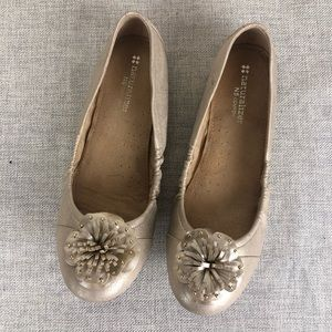 "Naturalizer ""Unite"" Golden Flats sz 8"